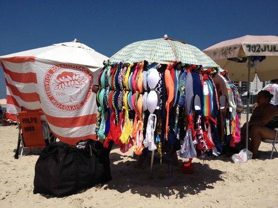 Ipanema Beach: Venta de bikinis, aceptan tarjeta de credito