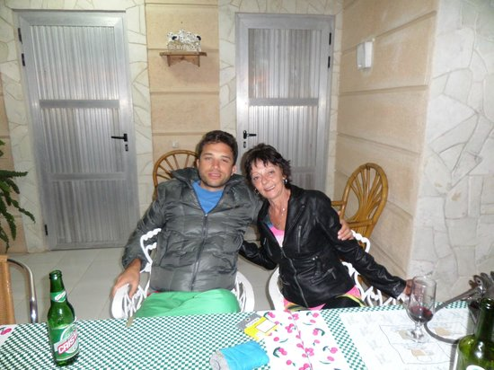 "Hostal ""El Villareno"": me with a tourist"