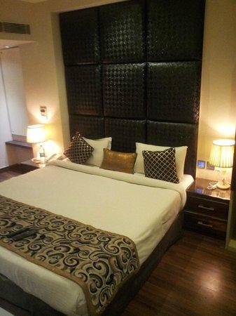 Hotel Uppal International: Стандартный номер