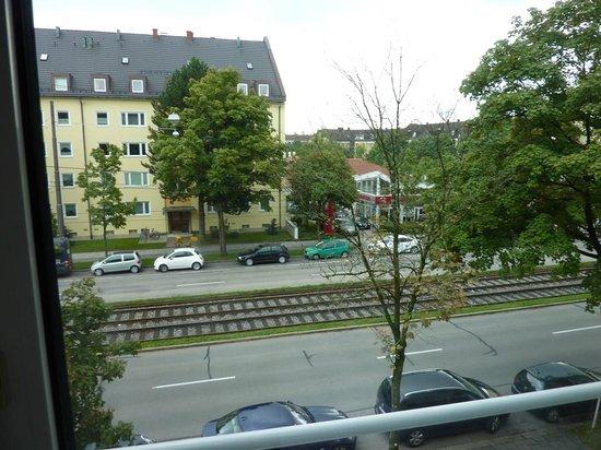 Wetterstein Hotel: Вид из окна