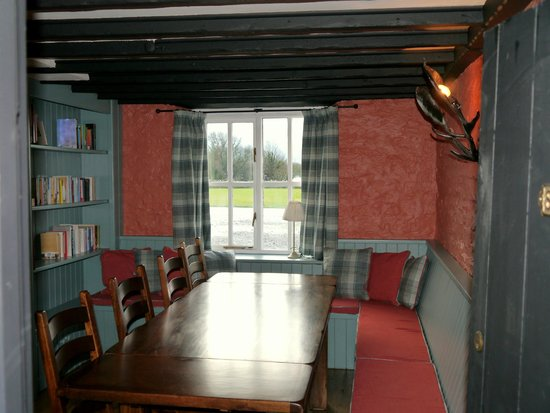 Garway Moon Inn: The Snug. Ideal for private dining, meeting or just reading a book