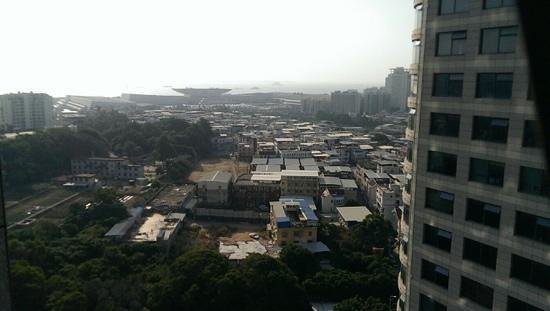Days Hotel and Suites Mingfa Xiamen: вид из окна 19 этажа