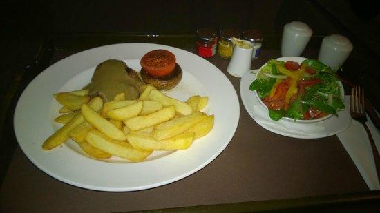 Hilton Dublin Airport Hotel: Room service
