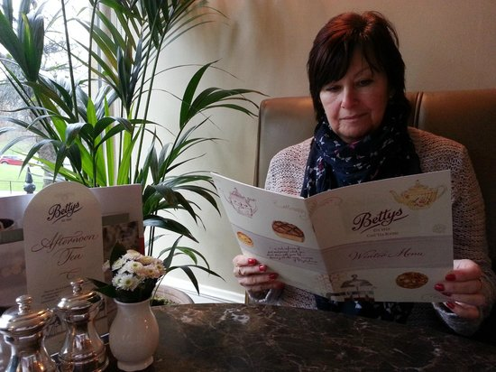 Bettys Cafe Tea Rooms - Harrogate : Birthday Girl