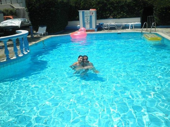 Hotel Villa Anna : swimming