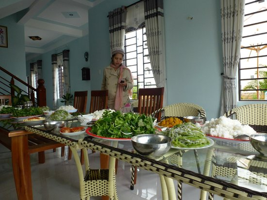 Homestay Dong Nguyen: New Years Lunch