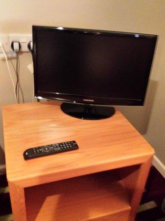 The Granary Hotel and Restaurant: room 7 smallish tv
