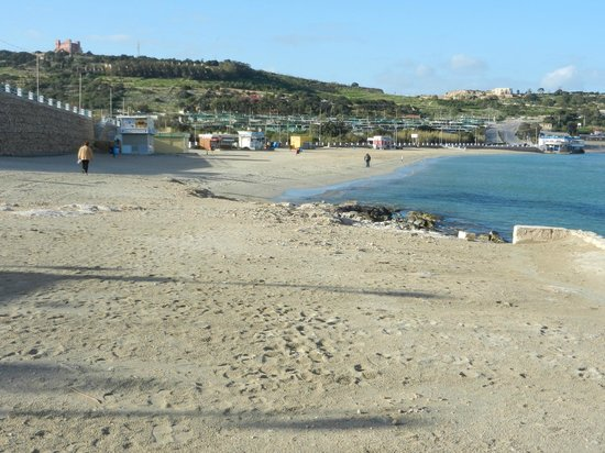 db Seabank Resort + Spa: Mellieha Bay - opposite the hotel