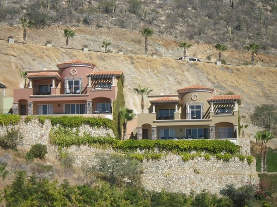 Montecristo Estates Pueblo Bonito: beautiful homes