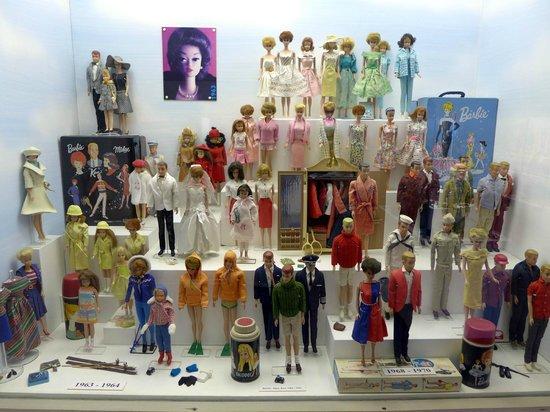 Toy Museum : Витрина Пражского музея игрушек.