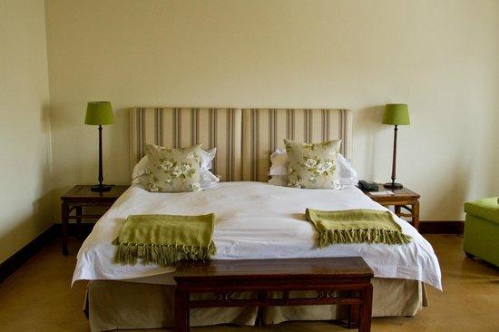 Spier Hotel: Cama espaçosa e confortável.