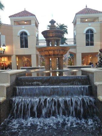 Bon Appetit French Bistro : Beautiful Waterfalls all throughout Miromar Mall & near Bon Appetit Restaurant!