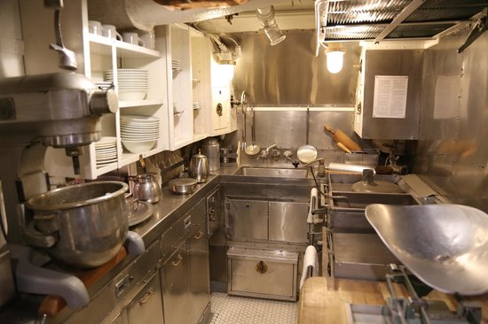 USS Bowfin Submarine Museum & Park: Food preparation area