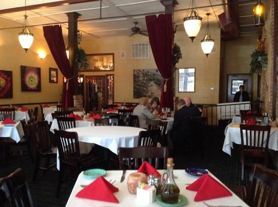Pignetti's: dining room 1