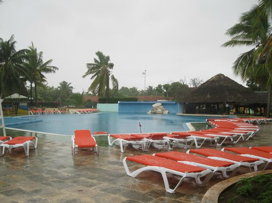 Piscine picture of hotel roc santa lucia ex gran club for Club piscine terrebonne liquidation