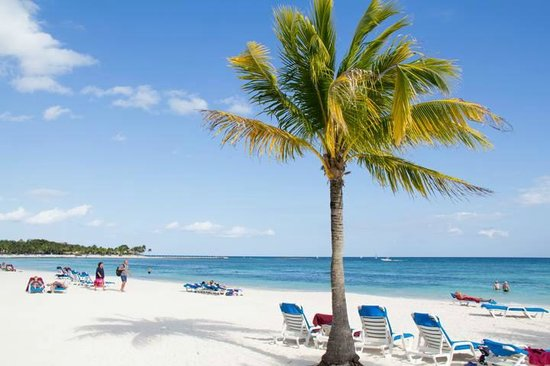Bel Air Collection Resort & Spa Riviera Maya : plage du BARCELO