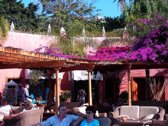 H10 Costa Adeje Palace : Gezellige terrasjes in Playa el Duque