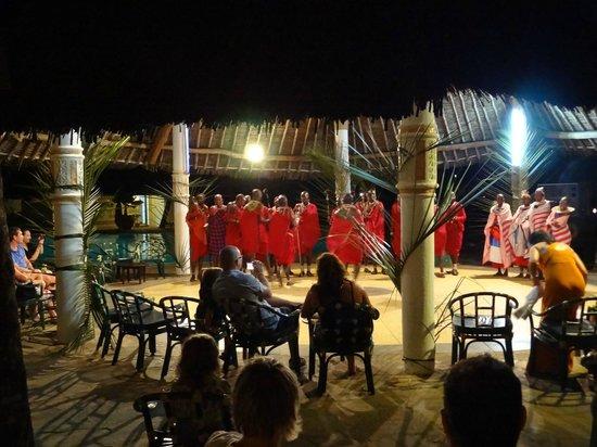 Neptune Village Beach Resort & Spa: Masai Mara show