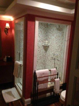 Le Sun Chine: Bathroom