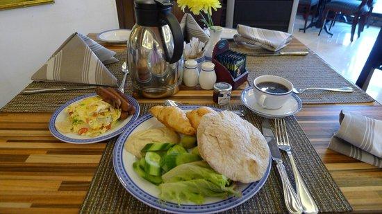 InterContinental Dar Al Tawhid: Breakfast buffet