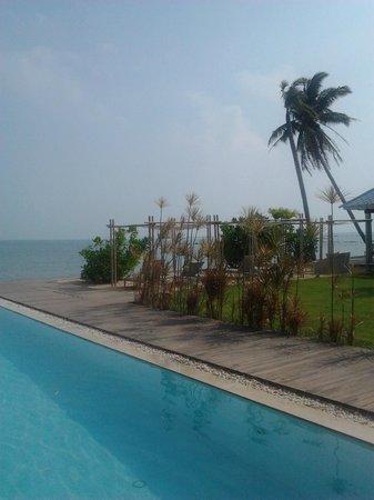 Villa Nalinnadda: View from pool
