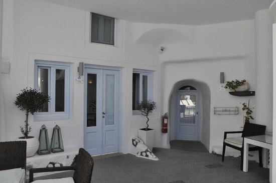 Mill Houses Elegant Suites : Flat entrance