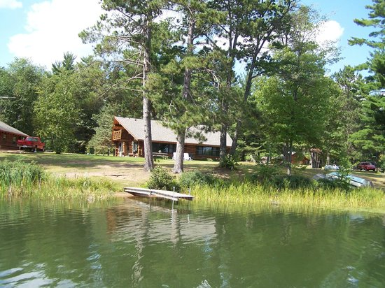 Whispering Pine Lodge: Elm/Spruce Cabins