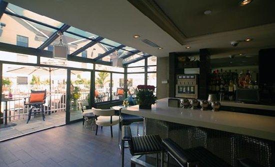 The Inn At Fox Hollow Hotel: Vintage25 Wine Bar & Lounge