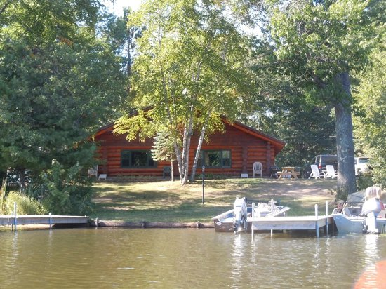 Whispering Pine Lodge: Maple/Willow Cabins