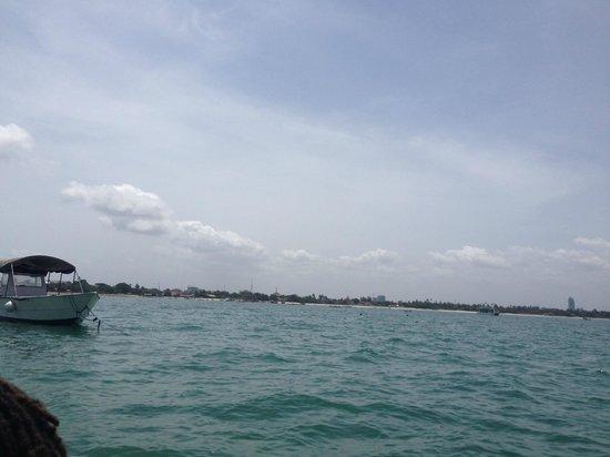 Bongoyo Island: approaching