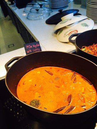 Aloft Kuala Lumpur Sentral: Curry for Breakfast