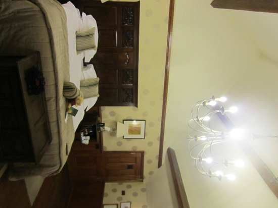 The Manor House Hotel and Golf Club: Junior Suite