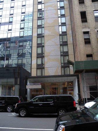 Distrikt Hotel: External view of hotel