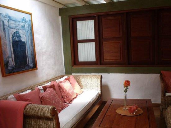 Finca La Corona: The inside lounge