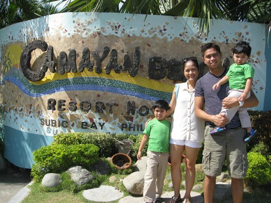 Camayan Beach Resort and Hotel: Front of resort
