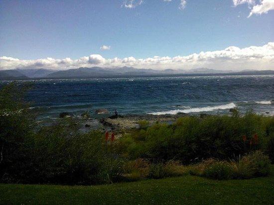 Alma del Lago Suites & Spa: Vista desde el parque
