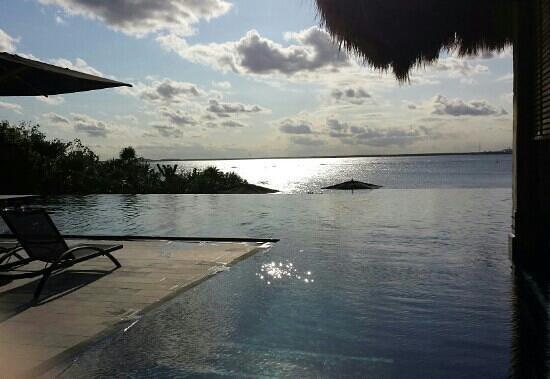 NIZUC Resort and Spa: sitting at the pool