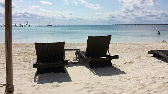 NIZUC Resort and Spa: At the beach