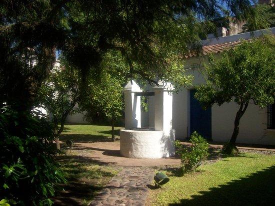 Casa Historica de Tucuman: Tradicional aljibe de los patios coloniales