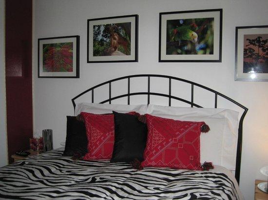 """Gite Confort: Notre belle chambre """"rouge"""""""