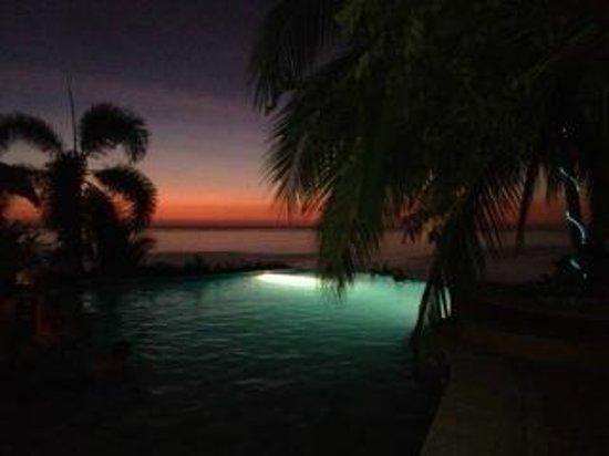 Hotel Vista de Olas: After sunset colors