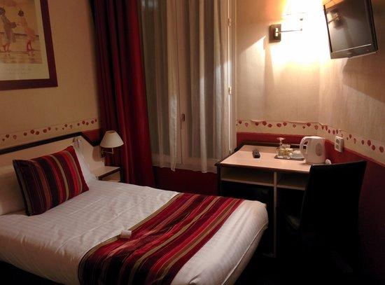 Opera Deauville Hotel : room on 1st floor