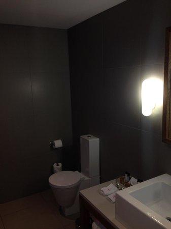 Tigerlily Hotel : toilet