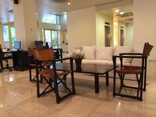 Loi Suites Recoleta Hotel: Lobby area