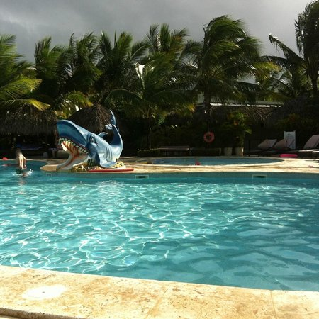 The Reserve at Paradisus Punta Cana : Kids Zone Pool with Kids Zone Club located behind