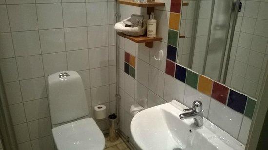 Hotel Vanilla: Bathroom.