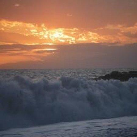 Soffio Di Mare: tramonto dalla spiggia