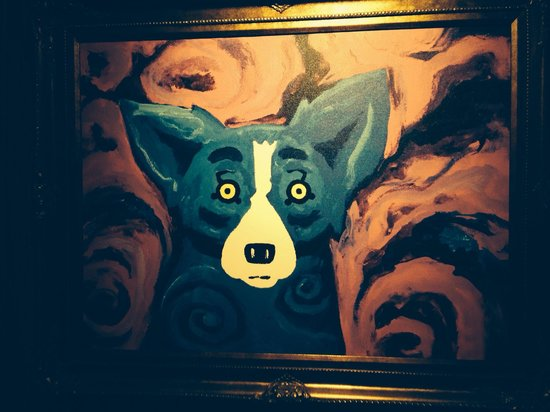 Blue Dog Cafe : Typical whimsical artwork abounds