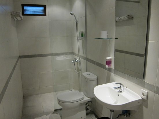Merbabu Guest House: very clean, newly renovated