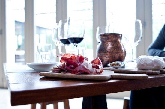Spier Wine Farm: Wine tasting with food pairing.